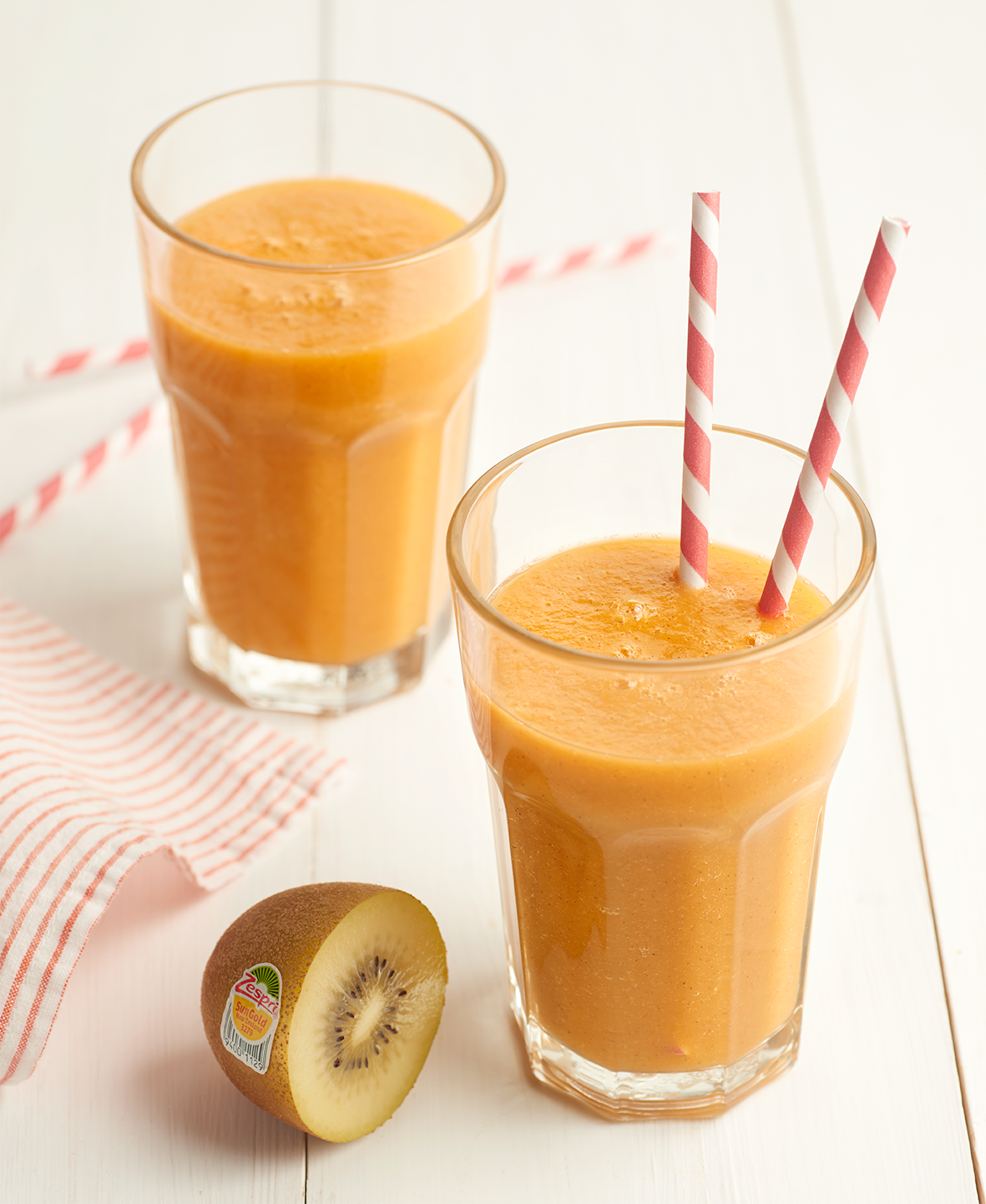 4 images 8 RECIPES 2 Carrot Zespri Sun Gold kiwifruit pineapple and mint smoothie high 1